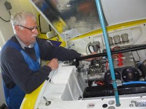 Roger Svensson varmkör efter att gjort motoröversyn. Skön sång!
