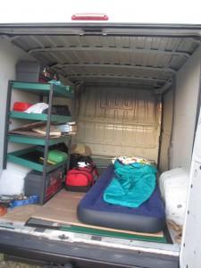 Hotell..... Nja, men vi sov gott i skåpbilen de timmar vi  hade till förfogande mellan tränings och tävlingspassen.
