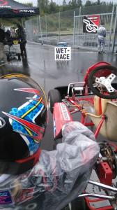 """Race med Axel i Jönköping. Verkligen """"Wet Race"""" , skyfall. Duktigt kört. Cadetti får ju inte använda regndäck!"""