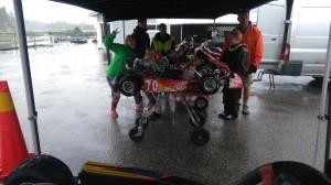 Till Uddevalla för träning med Axel, Elsa, Max, Albin och Emil. Ja..regn igen! Axel älskar att köra i regn men vi andra blir bara blöta och frusna!
